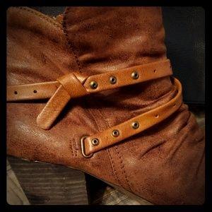Baretrap boots